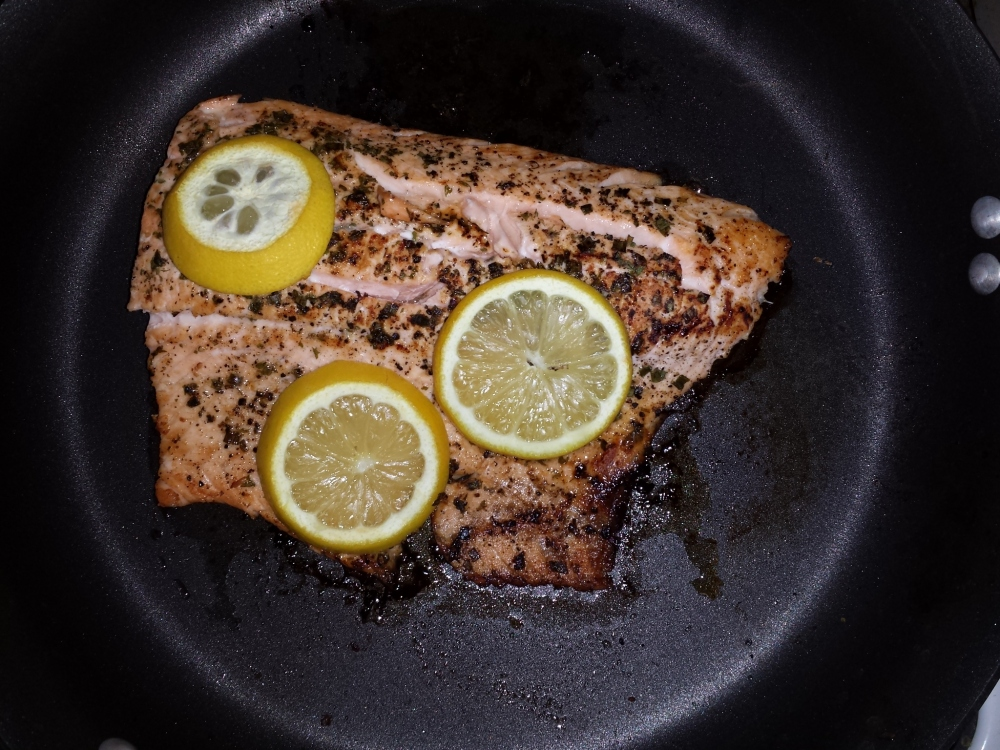 Simple Broiled Salmon and a Side Dish to Die For! (1/2)